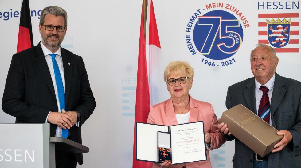 Verdienstkreuz am Bande für Anne-Trude Zieres
